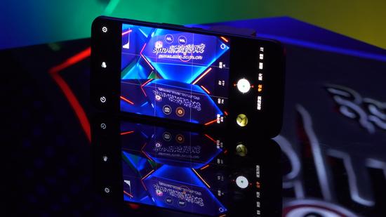 新浪游戏实验室:红魔5G游开始网赚戏手机 高性能游戏手机巅峰之作