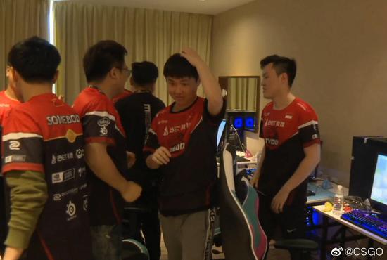 CAC2019小组赛首日TYLOO2:0完胜G2对战集锦