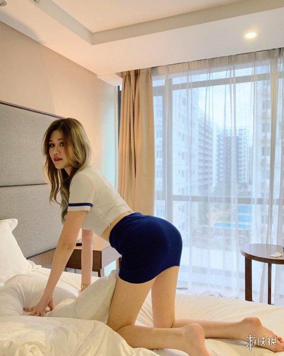 马来长腿美女车模Elise美图欣赏 逆天身材比例让你眼前一亮