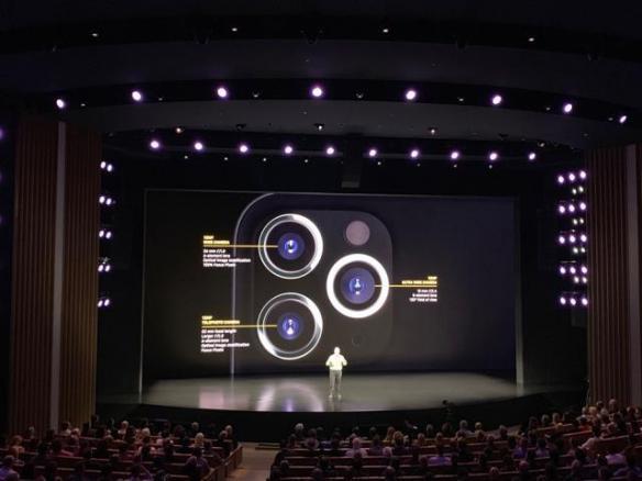 新款iPhone 11 P图大赛:龙珠、皮卡丘、权游 齐上阵