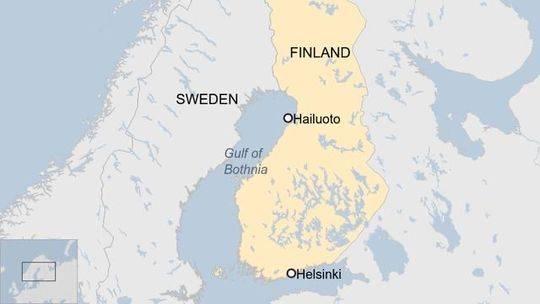 芬兰海滩万颗冰蛋遍布 罕见气候现象形成海量蛋型浮冰群