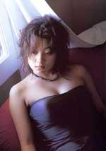 小池荣子/98年出道的小池荣子,凭着电视剧《美少女H》跻身艺能界,凭着...
